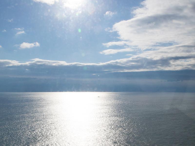 明石海峡大橋からの絶景を楽しめる。